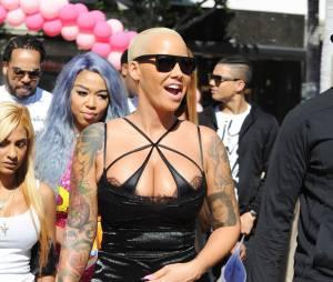 Amber Rose sexy en lingerie pour la SlutWalk le 3 octobre 2015 à Los Angeles