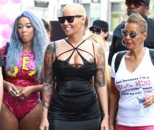 Amber Rose en lingerie pour la SlutWalk le 3 octobre 2015 à Los Angeles