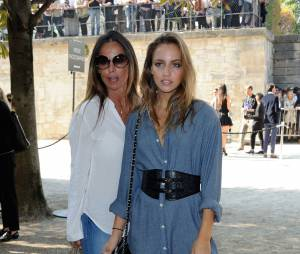 Carla Ginola et sa maman au défilé Elie Saab, le 3 octobre 2015