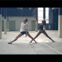 """Shy'm bouleversante et sensuelle : son clip dansant et """"culotté"""" pour Zack Benitez"""