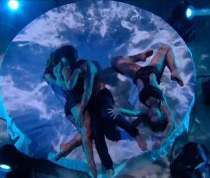 Priscilla : rumba ultra sexy avec Christophe Licata et Emmanuelle Berne dans Danse avec les stars le 12 décembre 2015