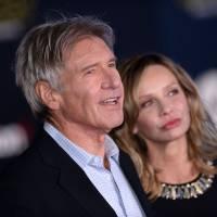 Star Wars le réveil de la Force : tapis rouge glamour... et Karrueche Tran nue sous sa veste