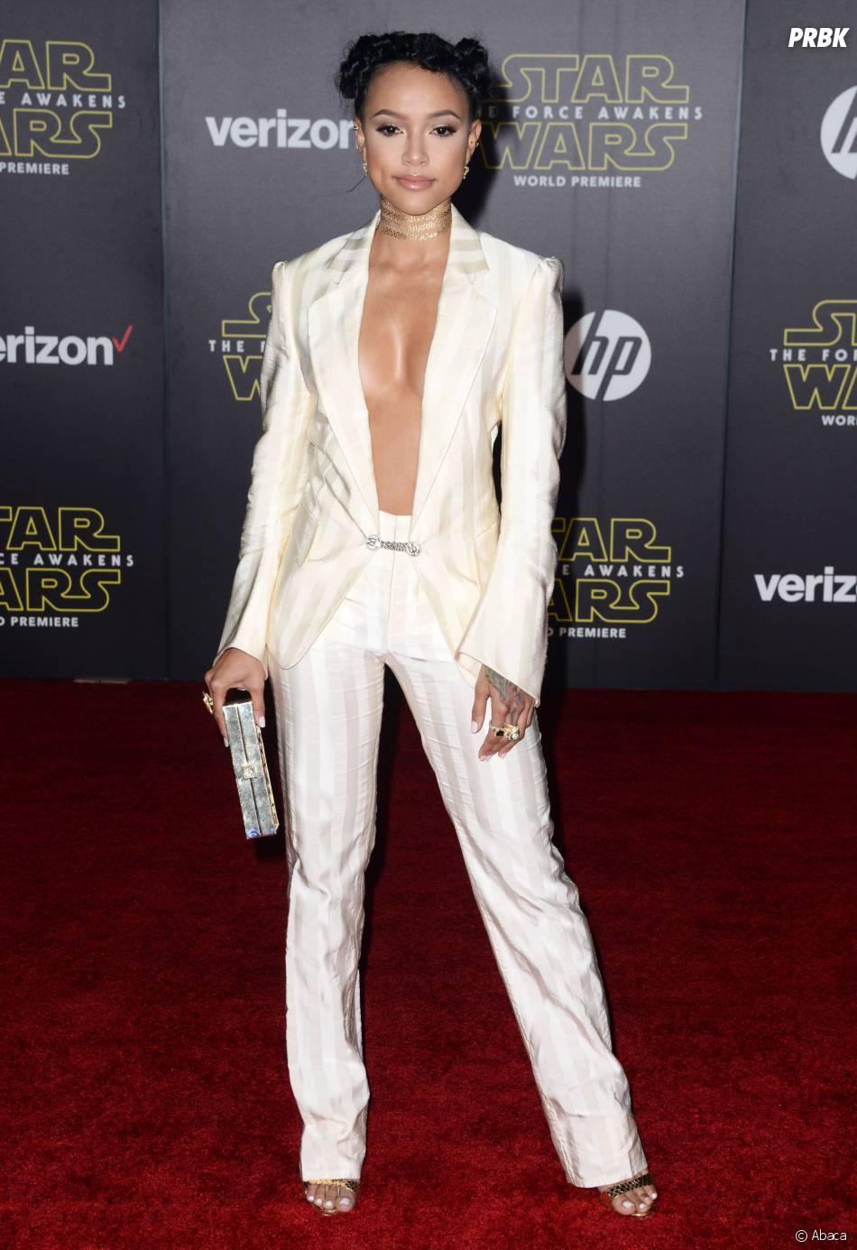 Karruche Tran topless (ou presque) à l'avant-première de Star Wars 7, le 14 décembre 2015 à Los Angeles