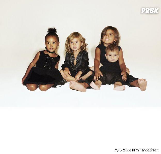 Les Kardashian dévoilent leur carte de Noël avec North West (2 ans), Mason (6 ans), Penelope (3 ans) et Reign (1 an)