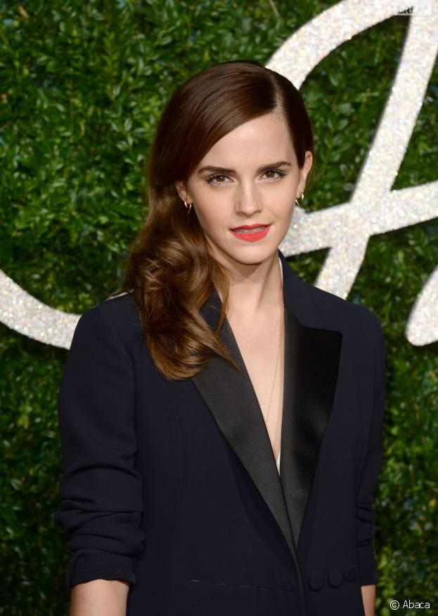 Emma Watson réagit à la polémique entourant l'Hermione de la pièce de théâtre Harry Potter