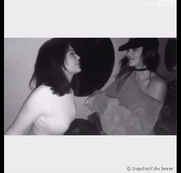 Kylie et Kendall Jenner sont deux soeurs très complices sur Snapchat