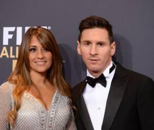 Lionel Messi et sa femme lors de la cérémonie du Ballon d'or 2015 à Zurich, le 11 janvier 2016
