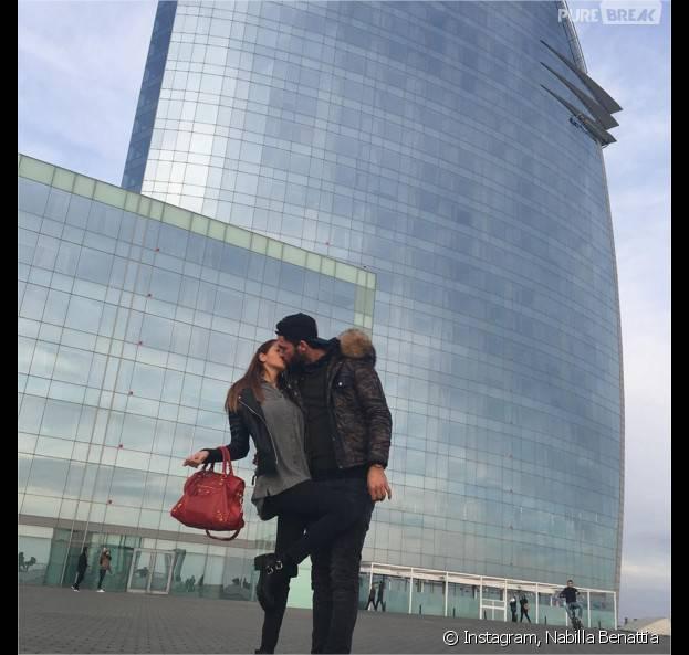 Nabilla Benattia et Thomas Vergara amoureux à Barcelone le 1er janvier 2016