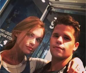 Charlie Carver et Holland Roden sur une photo postée sur Instagram
