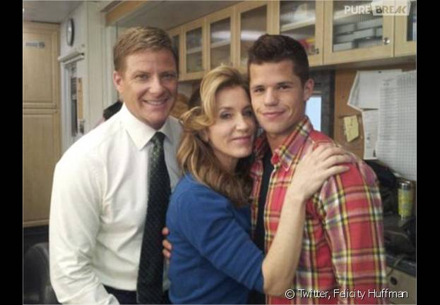 Charlie Carver, Felicity Huffman et Doug Savant sur le tournage de Desperate Housewives