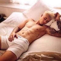 Justin Bieber : photo sexy en caleçon sur Instagram avant une nouvelle folie capillaire