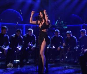 Selena Gomez chante un medley de Good for You et Same Old Love au SNL le 23 janvier 2016