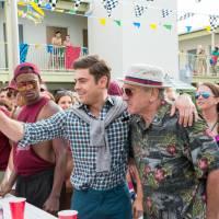 Zac Efron doublé pour une scène de nu, Robert De Niro héros : 5 anecdotes sur Dirty Papy