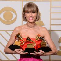 Taylor Swift reine du palmarès des Grammy Awards : nouvelle coupe de cheveux et tacle à Kanye West
