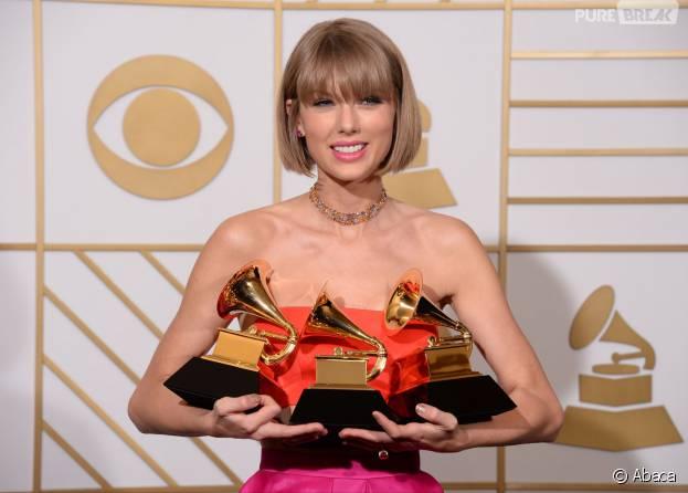 Taylor Swift : nouvelle coupe de cheveux pour la gagnante des Grammy Awards 2016, au Staples Center de Los Angeles, le 15 février 2016