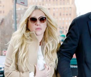 Kesha en larmes après l'annonce de la juge, lors de son procès contre Dr Luke, le 19 février 2016