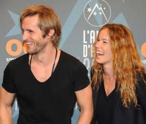 Elodie Fontan et Philippe Lacheau en couple ? Elle répond (presque)