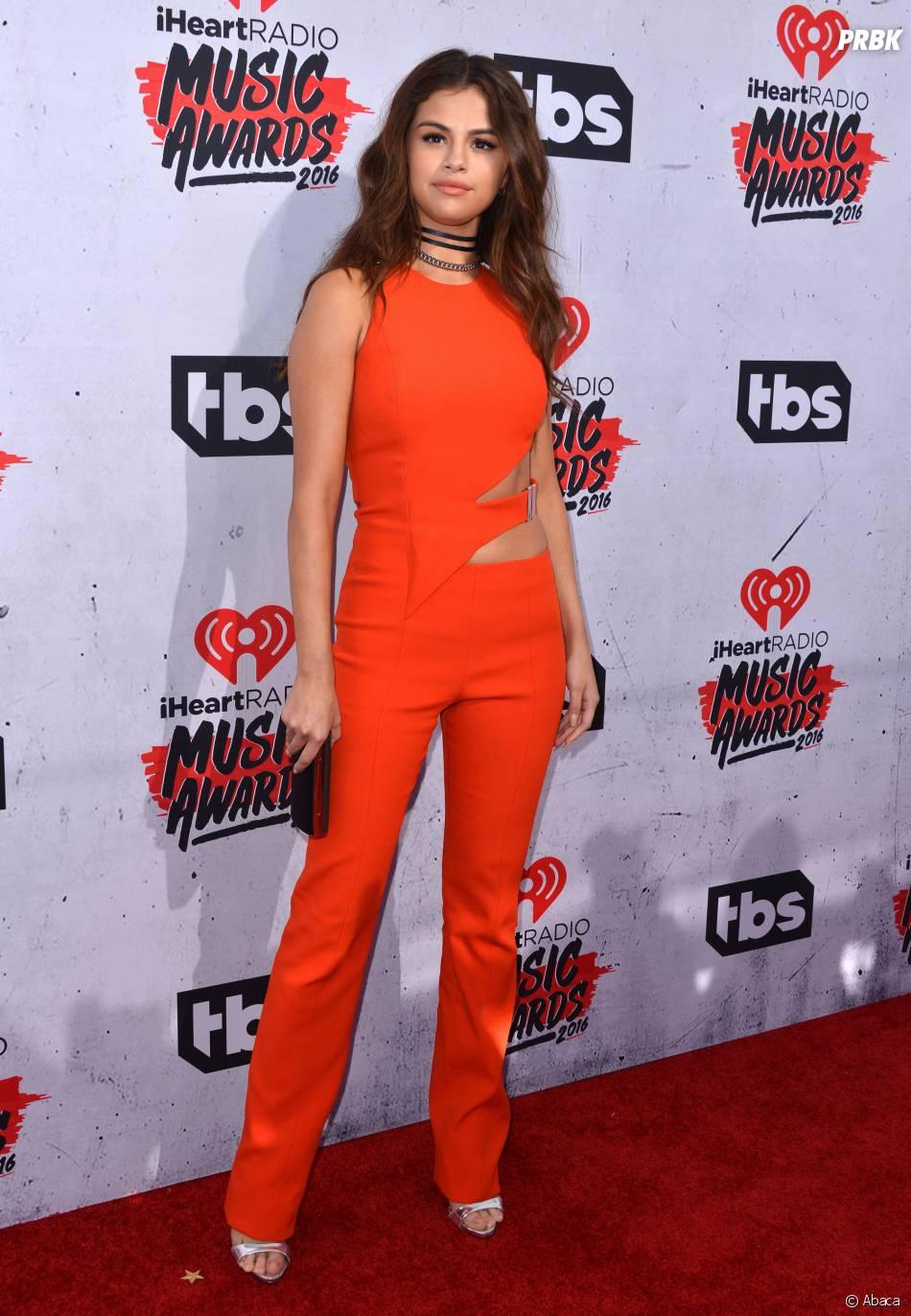 Selena Gomez sexy aux iHeartRadio Music Awards 2016 le 3 avril à Los Angeles