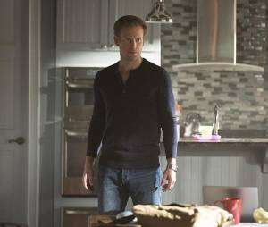 The Vampire Diaries saison 7, épisode 17 : Alaric (Matt Davis) sur une photo