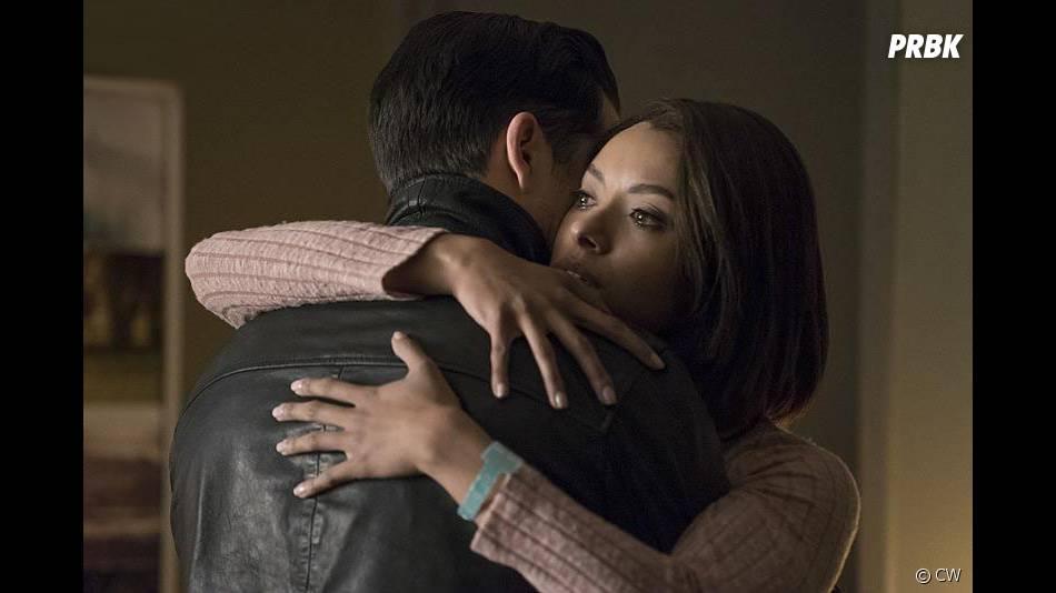 The Vampire Diaries saison 7, épisode 18 : Kat Graham sur une photo