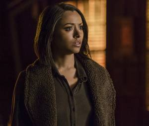 The Vampire Diaries saison 7, épisode 22 : Bonnie (Kat Graham) sur une photo