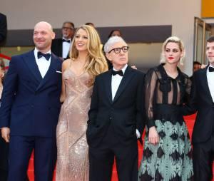 Blake Lively, Kristen Stewart, Jesse Eisenberg... les stars du film Café Society lors de la soirée d'ouverture du Festival de Cannes le 11 mai 2016