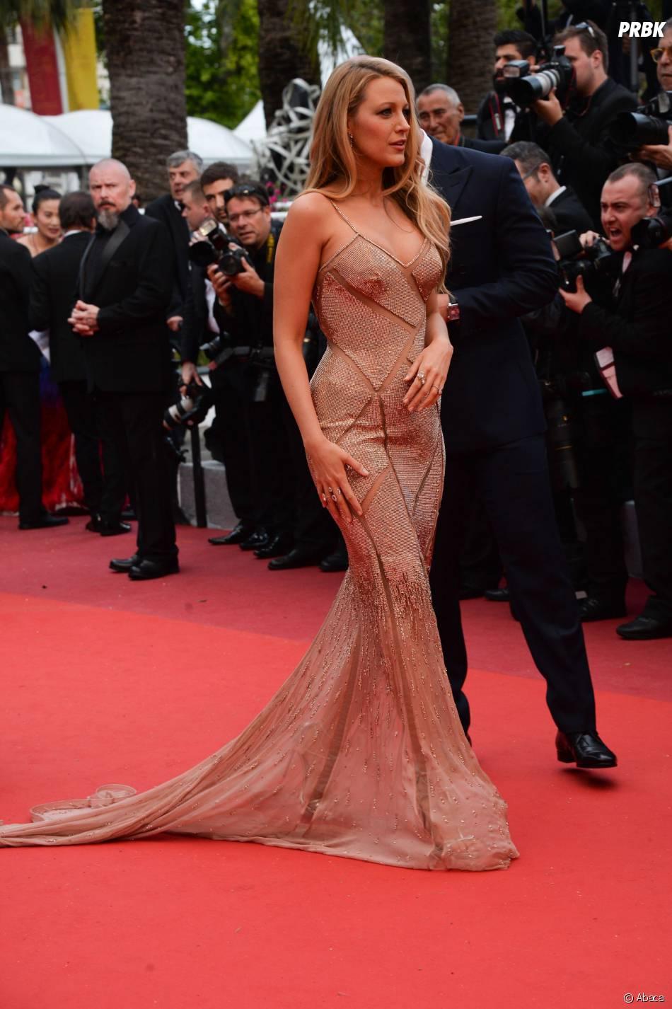 Blake Lively enceinte sur le tapis rouge de la soirée d'ouverture du Festival de Cannes le 11 mai 2016