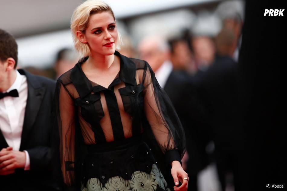 Kristen Stewart sur le tapis rouge de la soirée d'ouverture du Festival de Cannes le 11 mai 2016