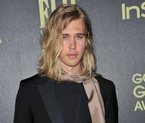Austin Butler (Les Chroniques de Shannara) sur un tapis rouge
