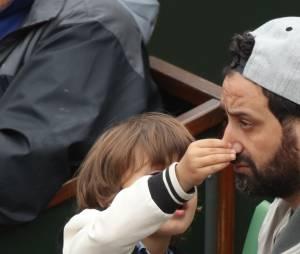 Cyril Hanouna et son fils à Roland Garros 2016 pour la finale dames le 4 juin 2016