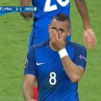 Dimitri Payet (France - Roumanie) en larmes après son but, Twitter sous le charme