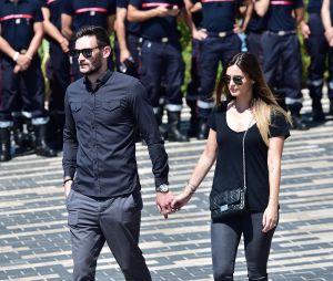 Hugo Lloris et sa femme Marine à la minute de silence à Nice