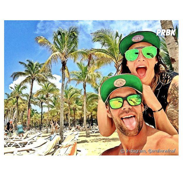 Emilie Nef Naf s'éclate en vacances avec son nouveau chéri, Bruno Cerella