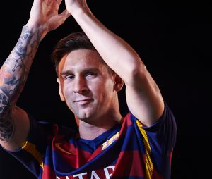 Lionel Messi : L'attaquant du FC Barcelone devient blond platine !