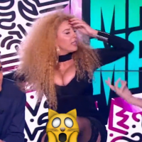 afida turner sans culotte dans le mad mag martial s 39 excuse ce n 39 tait pas pr par. Black Bedroom Furniture Sets. Home Design Ideas