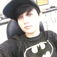 Bex Taylor-Klaus (Scream) fait son coming out sur Twitter 🏳🌈