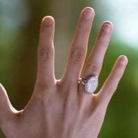 Twilight : la bague de fiançailles de Bella vendue aux enchères à un prix hallucinant