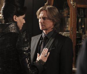 Once Upon a Time saison 6 : Rumple et la Evil Queen bientôt en couple ?