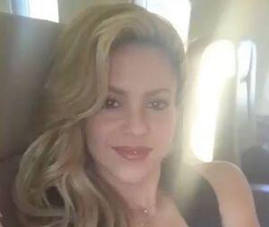 """Shakira sans maquillage sur Instagram : elle remercie ses fans pour les plus de 200 millions de vues sur son dernier clip """"Chantaje""""."""
