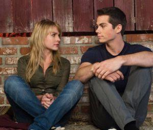 Dylan O'Brien : sa petite amie Britt Robertson révèle la chose la plus folle qu'elle ait faite par amour