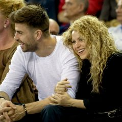 Shakira : Gérard Piqué s'improvise coiffeur, la vidéo trop cute !