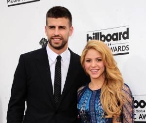 Shakira: Piqué s'improvise coiffeur, la vidéo trop cute!