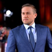 "Fifty Shades of Grey : Charlie Hunnam ""traumatisé"", il n'a toujours pas vu le film SM"