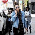 Jessica Biel a elle aussi craqué pour la tendance des vestes en jean !