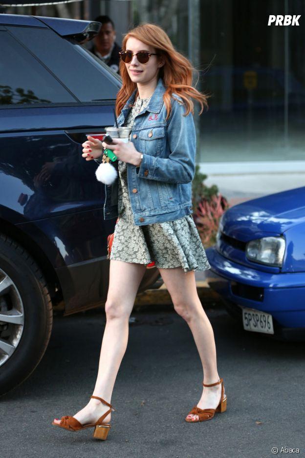 Emma Roberts a elle aussi craqué pour la tendance des vestes en jean !
