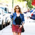 Jennifer Aniston a elle aussi craqué pour la tendance des vestes en jean !