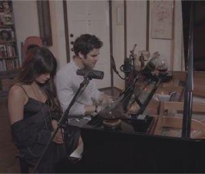 Lea Michele et Darren Criss chantent Lost Boys Life