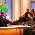 Harry Styles dans Quotidien : Yann Barthès laisse entrer des fans hystériques dans l'émission !