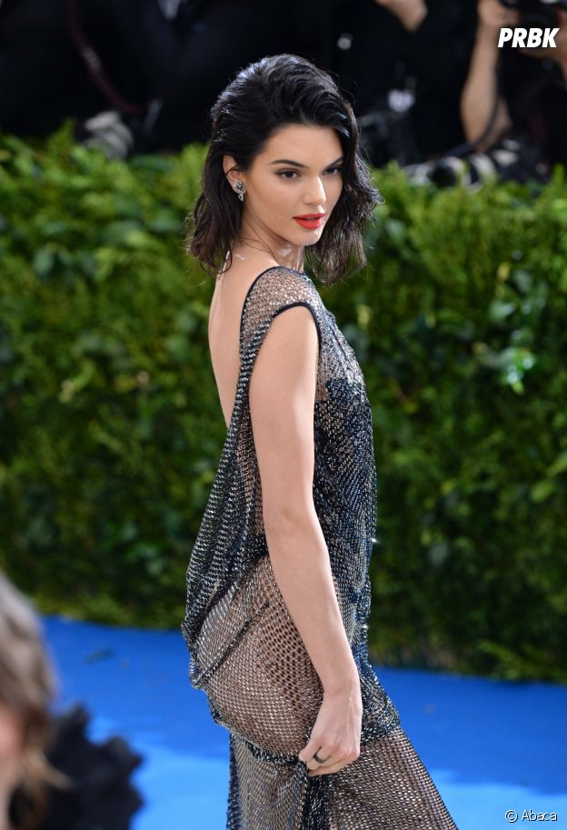 Kendall Jenner : une tenue osée au MET Gala 2017 le 1er mai à New York