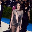 Kendall Jenner tout en transparence au MET Gala 2017 à New York le 1er mai
